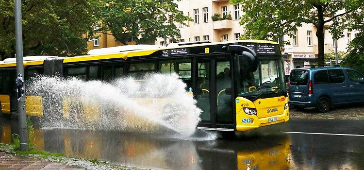 Pressemitteilung: Smartes System lenkt Berliner Verkehr bei Überflutung um